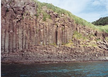 生月町塩俵断崖の柱状節理